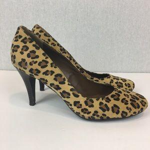 Liz Claiborne Pumps Size 8.5 Leopard Print